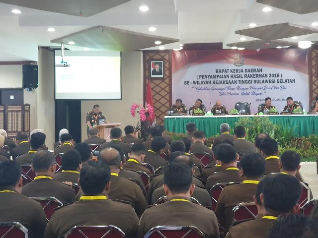 Kajati Sulsel Kumpul Kajari, Kacabjari dan Para Kasi se Sulselbar di Makassar