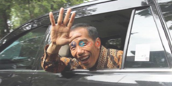 MAKJLEB! Mobil Kepresiden Jokowi Mogok, Netizen: Makanya Pake Mobil ESEMKA
