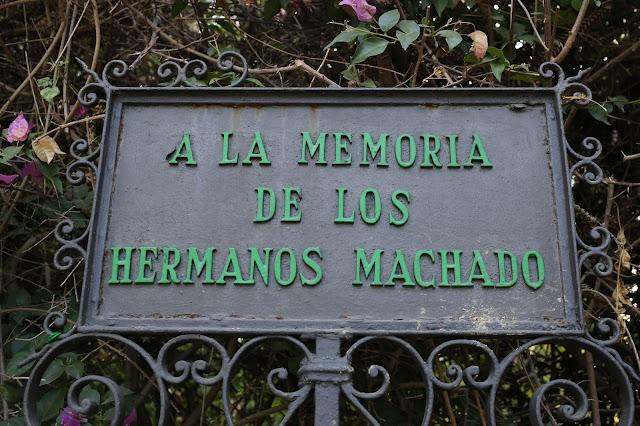 A la memoria de los Hermanos Machado