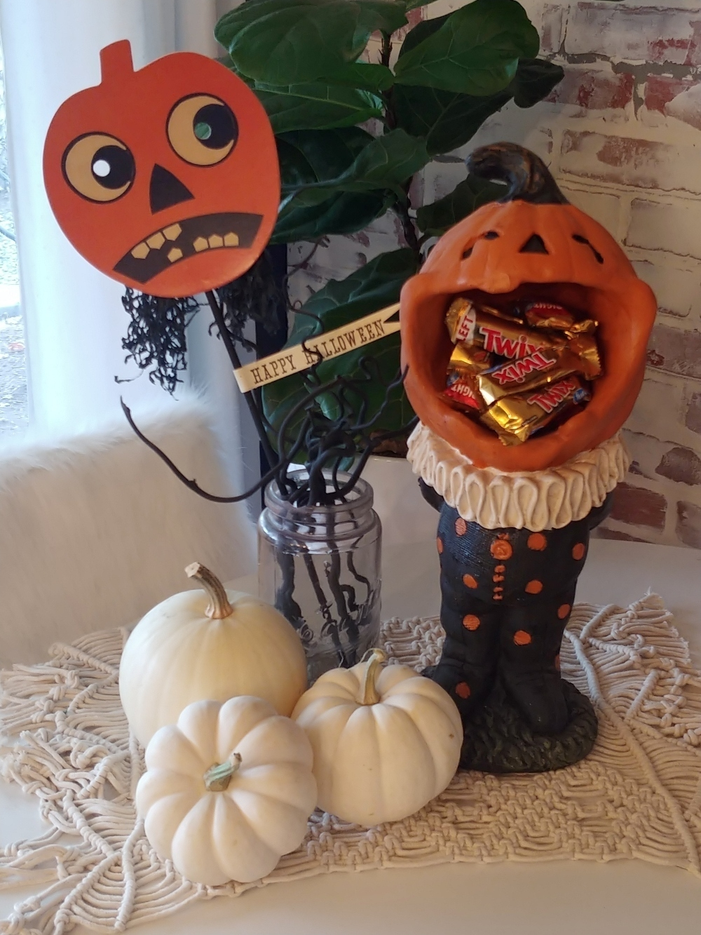 table decor for Halloween