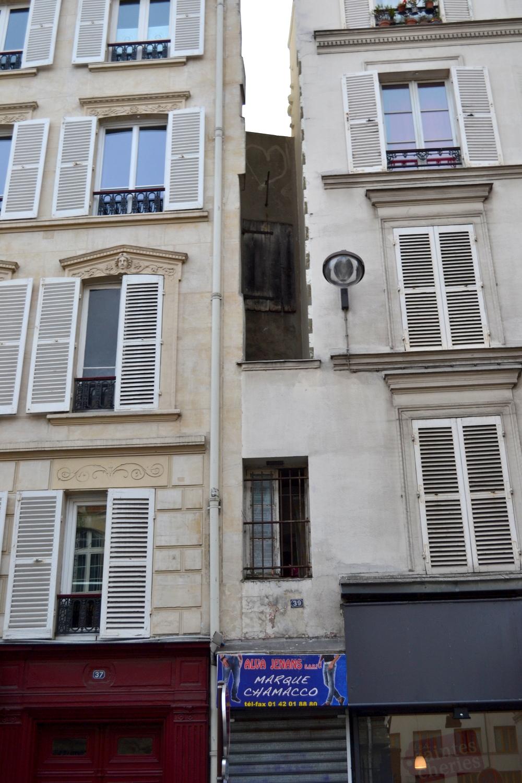 Pleasant The Smallest House In Paris Invisible Paris Download Free Architecture Designs Terstmadebymaigaardcom