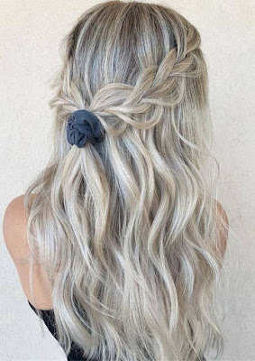 Looking for a classy braided idea that is easy to wear ✘ 24+ Simple Half Down Braids Hairstyles With Weave For Medium Hair To Copy In 2020