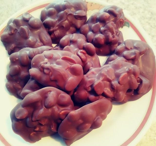 Chocolate Peanut Butter Peanut Clusters
