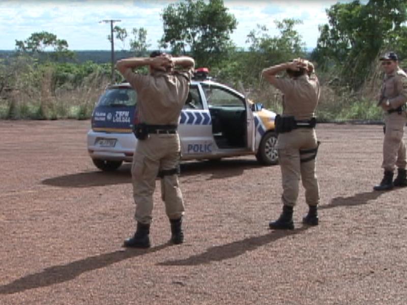 POLICIA MILITAR RECEBE TREINAMENTO