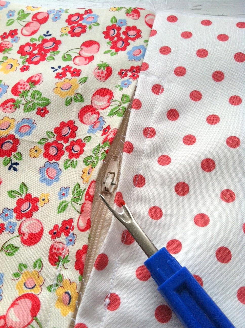 Tutorial On Makeup Application: Invisible Zipper Pillow Tutorial