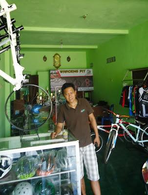 Toko sepeda Mtb murah Jual Spareparts , accesories dan rakit sepeda mtb 085228571551 iyak waroeng pit 2