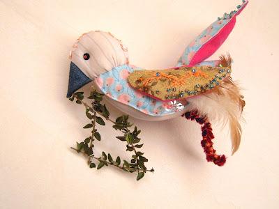 oiseau brodé perles soie d'alger