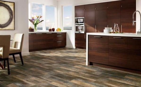 The Linoleum Flooring that Looks Like Wood Planks