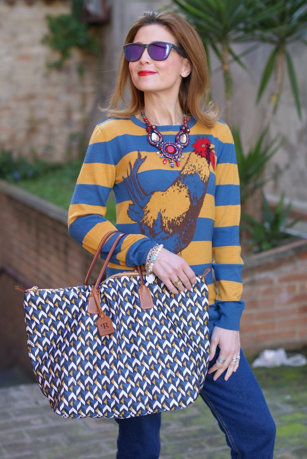 Easter holidays outfit with Roberta Pieri Robertina bag and striped Stella Jean top on Fashion and Cookies fashion blog, fashion blogger style