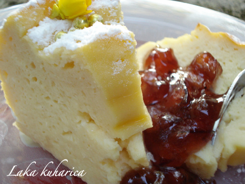 Quark cheese bundt cake by Laka kuharica: moist and deliciously light, extremely easy to make.