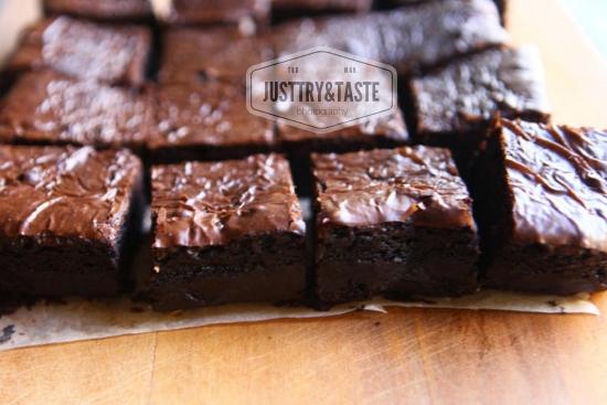 Resep Shiny Fudgy Brownies JTT