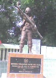 Patung Pahlawan Tulis