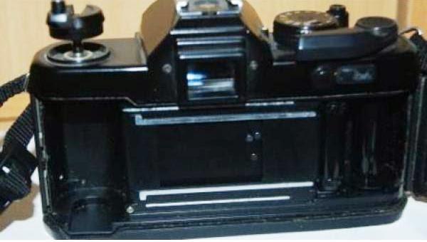 Yashica FX-3 tampak dalam