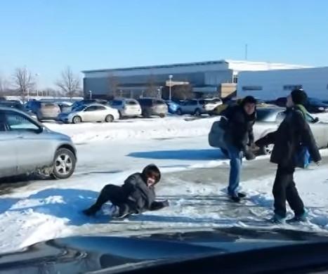 rir queda fail neve