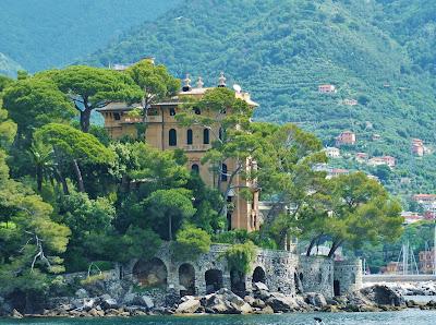 Villa Lagomaggiore in Rapallo on Capo Pomaro (Punta Logon).
