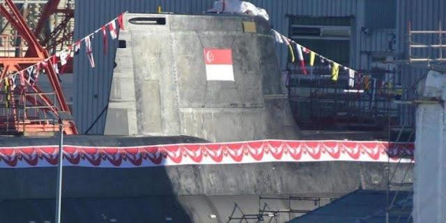 El nuevo submarino 218SG para Singapur fue decorado en TKMS para el bautismo el lunes