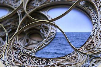 Art : Eric Standley ou l'architecture de papier. Rosaces éphémères, vitraux et arabesques graciles