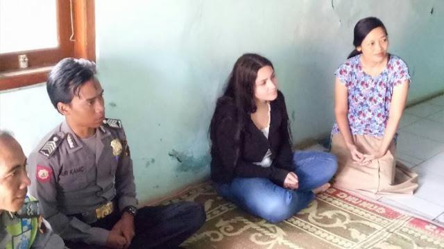 Kenal di Facebook, Gadis Italia Ini Nikahi Pemuda Indonesia