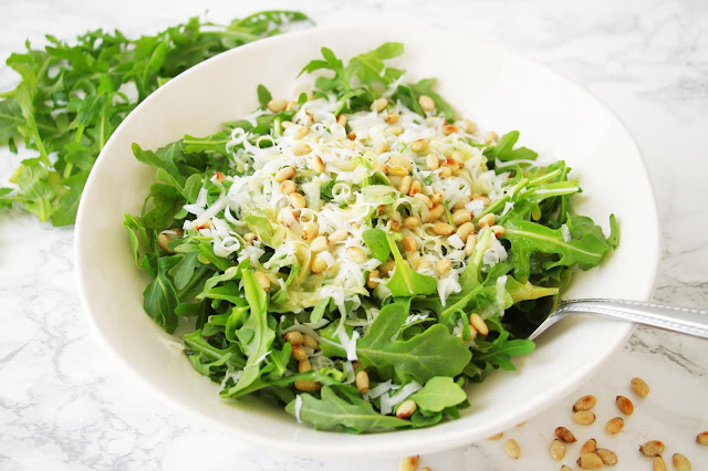 Simple Arugula Salad with Lemon-Mustard Dressing / Midwestern Mama