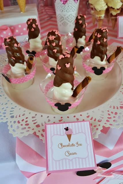 minnie mouse confetti in ice cream bowl