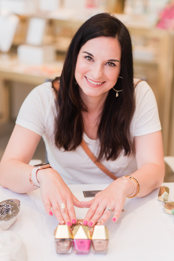 jodie brim photography, north carolina blogger, gloria's nail bar, kendra scott, kendra scott greensboro, style on a budget, summer style, what to buy for summer, kendra scott jewelry