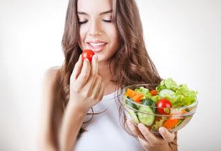 أطعمة مهمة للحفاظ على صحة شعرك