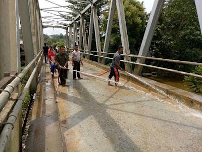 Ini adalah salah satu program pemerintah pusat berbasis Nasonal, dan bermasyarakat agar tetap menyangga kebersiahan lingkungan untuk memengatasi banjir, tanah lonsor dan bencana alam lainnya, Nanga Taman termasuk wilayah rawan banjir dan tanah lonsor