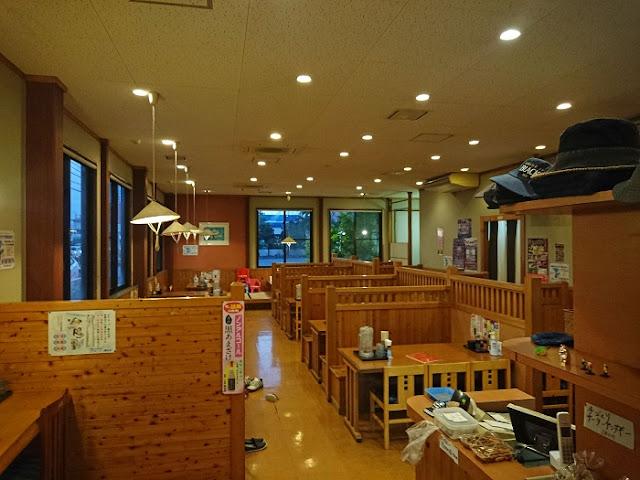 名嘉地そばの店内の写真