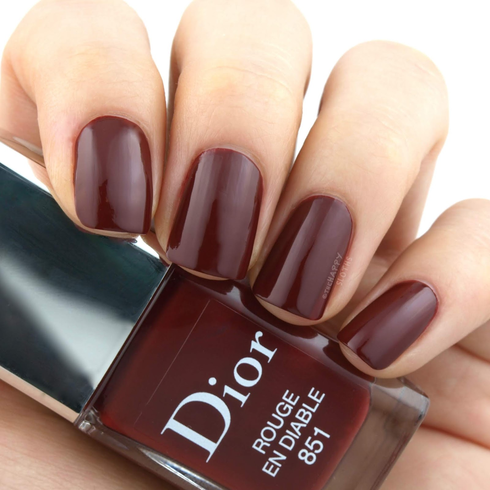 "Dior Fall 2018 Dior en Diable Collection | Dior Vernis in ""851 Rouge en Diable"": Review and Swatches"