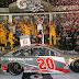 Erik Jones vence a primeira em uma caótica Daytona