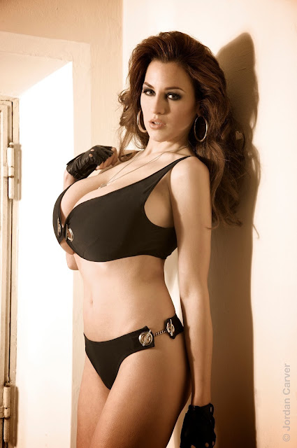 sexy-Jordan-Carver-sheriff-hot-wallpaper-14