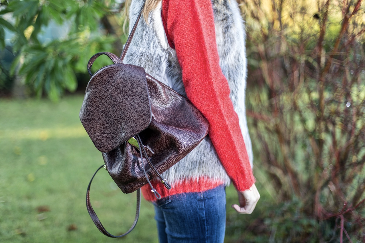 mochila marrón chocolate