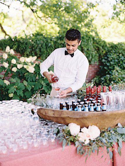 Ile alkoholu na wesele, Alkohol na wesele, Organizacja wesela, Wódka i wino na wesele, Budżet weselny na alkohol, Bar z alkoholami