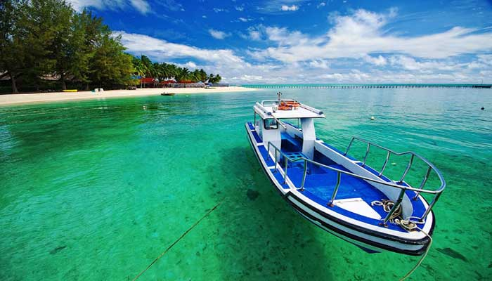 Menikmati keindahan kepulauan derawan di kabupaten berau for Top 1 beach in the world