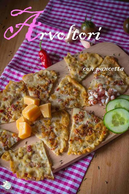 Italienische Pfannkuchen mit Speck und Thymian