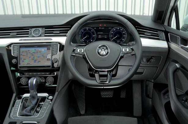 Volkswagen Passat GTE 2016 LATEST INTERIOR