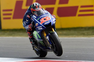 Maverick Vinales Tercepat FP1 MotoGP Inggris