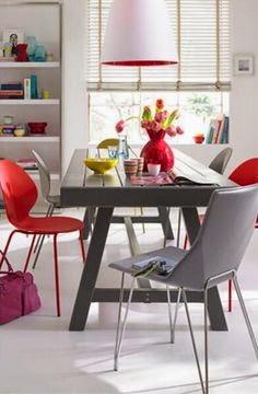 comedor en rojo y gris