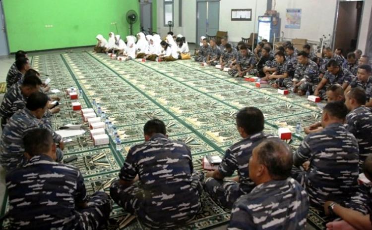 Doa bersama prajurit Satuan Kapal Selam Koarmatim di Surabaya