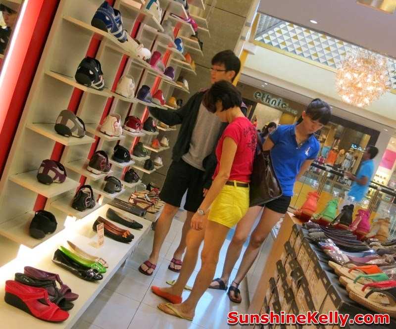 Larrie Shoes Store Malaysia