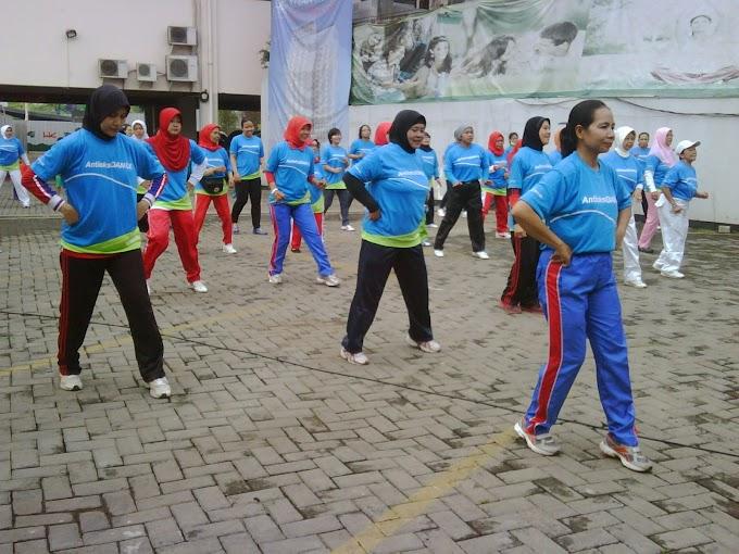 Peduli Kesehatan Jantung, RS Bunda Gelar Senam dan Seminar
