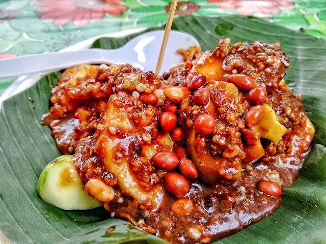 Rujak Kolam Takana Juo