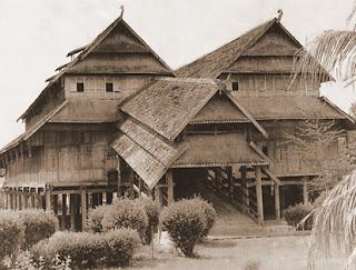 Keunikan Sejarah Rumah Adat Tradisional Loka Samawa Sumbawa Nusa Tenggara Barat Tempat Wisata Keunikan Sejarah Rumah Adat Tradisional Loka Samawa Sumbawa Nusa Tenggara Barat