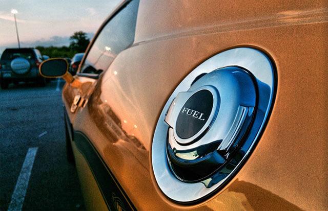 Fuel indicator fuel tank lid