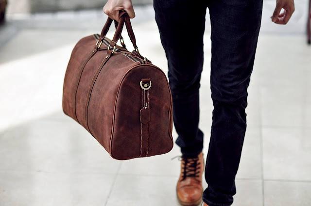 Tìm tòi kỹ trước khi chọn mua túi du lịch dành cho quý ông