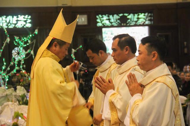 Lễ truyền chức Phó tế và Linh mục tại Giáo phận Lạng Sơn Cao Bằng 27.12.2017 - Ảnh minh hoạ 137