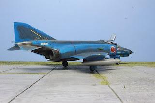Hasegawa F4 EJ Phantom II  1/48.