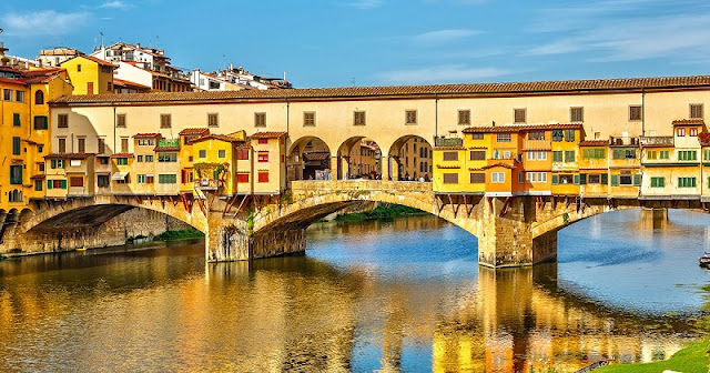 Ponte Vecchio em Florença na Itália