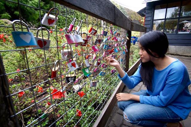 Gembok Cinta Farm House Susu Lembang
