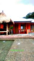 villa penginapan yang ada kolam renangnya